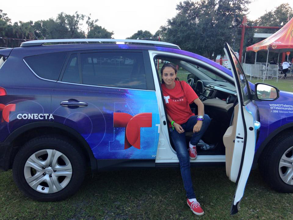 Image of intern at Telemundo WRMD Tampa